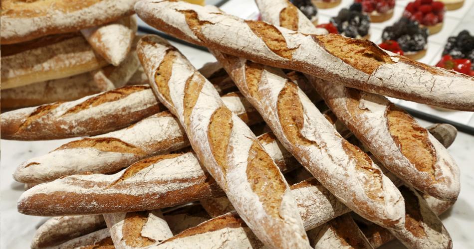 De grote specialiteit van warme bakker Kenney Van Hoorick is zuurdesembrood